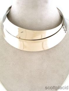 CHUNKY 10-44MM WIDE SILVER TONE METAL NECKLACE         NECKLACE: CHOKER             COLOR: SILVER TONE  $24.99