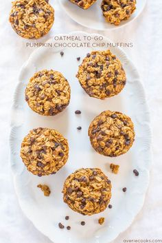 Oatmeal To-Go Pumpkin Chocolate Chip Muffins - Like having a bowl of warm pumpkin oatmeal in portable muffin form! Next time cut out all sugar of using the chocolate chips. I cut the brown sugar to cup and still found them very sweet. Moist Pumpkin Bread, Pumpkin Coffee Cakes, Pumpkin Chocolate Chip Muffins, Pumpkin Waffles, Pumpkin Oatmeal, Chocolate Chip Oatmeal, Pumpkin Spice, Sugar Pumpkin, Canned Pumpkin