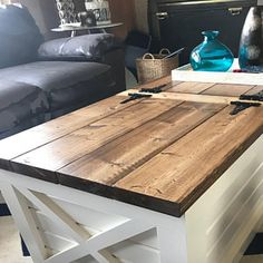 Best Ideas for barn door closet kids chalk board Farmhouse Coffee Table Sets, X Coffee Table, Coffee Table With Storage, Behr, Barn Door Closet, Custom Furniture, Furniture Ideas, Pallet Furniture, Media Center