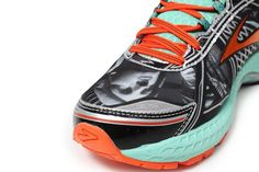 Brooks Freedom Adrenaline GTS specially designed for the NYC marathon. So dope