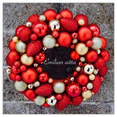 Emilian aitta Wreaths Joulupallokranssi Christmas Wreath joulukranssi punainen kranssi red wreath