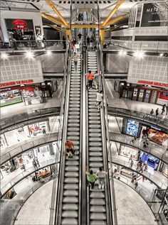 Centre Comercial / Arenas de Barcelona by HerbertAFranke