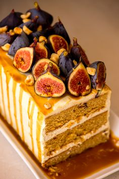 Fig and Frangelico Cake - The Sweet Rebellion A delicious showstopper made up of layers of fig and hazelnut cake, sandwiched together with a creamy mascarpone frosting, drizzled in Frangelico syrup and topped with fresh figs. Fun Baking Recipes, Sweet Recipes, Cake Recipes, Dessert Recipes, Chocolates, Cute Baking, Fig Cake, Hazelnut Cake, Pastries