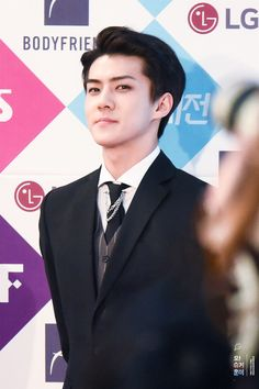 Sehun - 161226 2016 SBS Gayo Daejun, red carpet Credit: Oh! Sugar Hunnie. (2016 SBS 가요대전)
