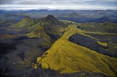 Awe-Inspiring Aerial Photographs Of Iceland That Look Like Abstract Paintings - DesignTAXI.com