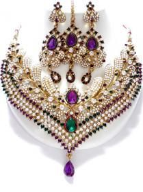 Indian Jewelry - American Indian Jewelry - Each Tribe Places Its Core Values and Deeply Held Beliefs to Its Craft ** You can get more details by clicking on the image. India Jewelry, Temple Jewellery, Gems Jewelry, Jewelry Art, Beaded Jewelry, Vintage Jewelry, Fashion Jewelry, Unique Jewelry, Fashion Art