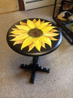 New in the store, Just finished a Sunflower on a small pedestal table - - Ideas to decorate your home in a sunflower theme! Art Furniture, Funky Painted Furniture, Repurposed Furniture, Furniture Projects, Rustic Furniture, Furniture Makeover, Furniture Design, Painted Stools, Awesome Woodworking Ideas