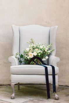 White and blue inspired wedding florals
