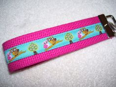KEY FOBWrist Key ChainOwls by PinkPinsandNeedles on Etsy, $6.00