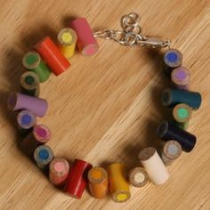 Recycled Jewelry made of colored pencils. Funky Jewelry, Recycled Jewelry, Jewelry Crafts, Handmade Jewelry, Recycled Bracelets, Jewlery, Recycled Crafts, Unique Jewelry, Women's Jewelry
