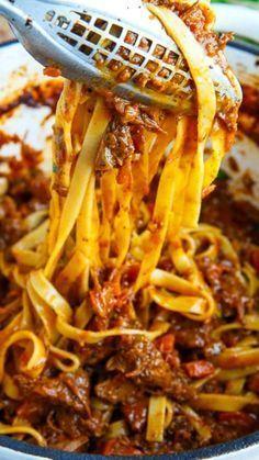 Rib Recipes, Gourmet Recipes, Pasta Recipes, Cooking Recipes, Cooking Bacon, Smoker Recipes, Cooking Tips, Beef Bolognese Recipe, Bolognese Sauce