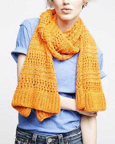SOLANGE SCARF / PATTERN BOOK Knitting Kits, Knitting Patterns, Knitted Blankets, Knitted Scarves, Knit Fashion, Pattern Books, Womens Scarves, Stitch Patterns, Knit Crochet