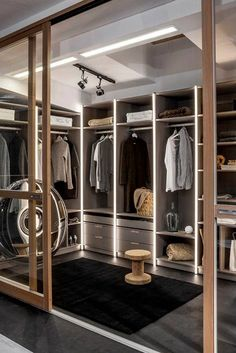 Home Inspiration: 32 Beautiful and Luxurious Walk-In Closet Designs Luxury Wardrobe, Open Wardrobe, Wardrobe Room, Wardrobe Design Bedroom, Luxury Closet, Closet Bedroom, Wardrobe Furniture, Master Closet, Master Bedroom