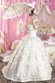 what a cute wedding dress