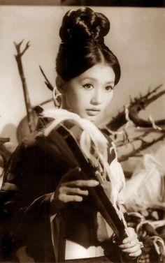 Kaga Mariko 加賀まりこ sixteen years old in Fuuryuufukagawa uta 風流深川唄 (Deep river melody) - Directed by Yamamura Sou 山村 聰 (1910-2000) - 1960