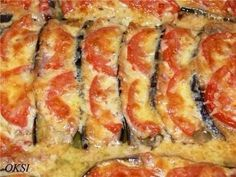 Eggplant under fur Ingredients: 2 eggplant bacon slices tomatoes cheese (durum) NOTHING salt ! Preparation: Eggplant wash, cut along the Lunch Recipes, Dessert Recipes, Cooking Recipes, Zucchini, Tomato And Cheese, Romanian Food, Eggplant Recipes, Fish Dishes, Good Food