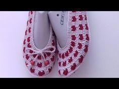 Kalpli babet patik #patik#patikmodelleri#babetpatik#kalplipatik - YouTube Crochet Shoes, Crochet Slippers, Baby Patterns, Crochet Patterns, Crochet Baby, Knit Crochet, Socks And Sandals, Slipper Socks, Knitting Socks