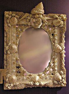 Seashell Frame, Seashell Art, Seashell Crafts, Shell Mirrors, Mirror Mirror, Sea Life Crafts, Shell Chandelier, Shell Flowers, Ideas