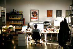 – Creative Home Office Design Graphic Design Workspace, Graphic Designer Office, Home Office Setup, Office Workspace, Home Room Design, Home Office Design, Desk Inspiration, Home Studio Music, Studio Room