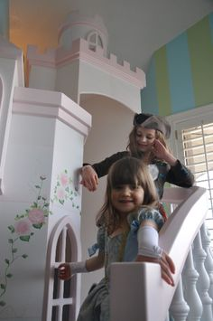The curving staircase on our Braun Castle is perfect for grand entrances! Click to see more of the Braun's awesome features, perfect for the princess in your life!