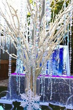Frozen table centerpiece - Crystal ice tree