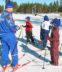 Jo pienenä me hiihdetään Physical Education, Teen, Teacher, Activities, Sports, Hs Sports, Professor, Physical Education Lessons, Teenagers