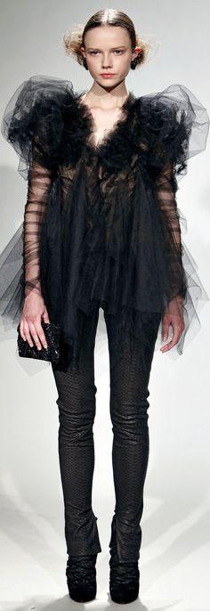 Marchesa Fall 2011 Ready-To-Wear