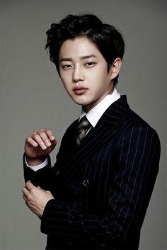 Kim Min-seok (김민석) - Picture @ HanCinema :: The Korean Movie and Drama Database Korean Male Actors, Actors Male, Korean Celebrities, Asian Actors, Famous Celebrities, Korean Men, Actors & Actresses, Kim Min Suk, Korean Beauty