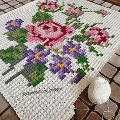 Crochet Blocks, Granny Square Crochet Pattern, Easy Crochet Patterns, Cross Stitch Patterns, Crochet Doily Rug, Crochet Home, Cotton Crochet, Cross Stitch Rose, Cross Stitch Flowers