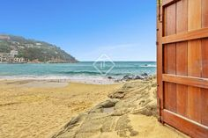 695 ads of luxury villas for sale in the autonomous community of Catalonia: on LuxuryEstate you will find thousands of ads selected by the best real estate agencies in the luxury sector in Spain. Real Estate Agency, Luxury Villa, Spain, Community, Beach, Water, Outdoor, Luxury Condo, Gripe Water