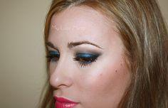 Ojos azul Klein
