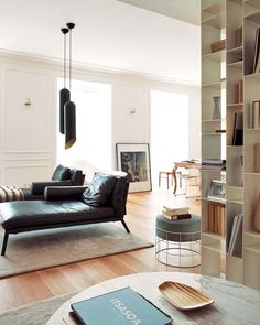 Spanish Apartment... mikel-irastorza-design