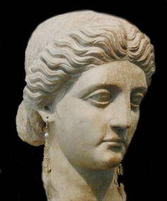 Aurelia Cotta - The mother of Julius Caesar ... [eng] http://www.romeandart.eu/en/art-aurelia-cotta.html