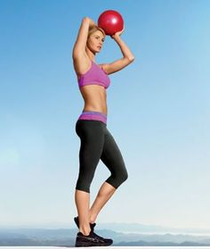 Trainer to celebs like Naomi Watts and Sandra Bullock, fItness instructor Simone De La Rue shares her killer, fat-burning, total-body workout.