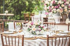 casamento ao ar livre rhaissa bruno inspire-10 Wedding Ceremony Decorations, Wedding Table, Our Wedding, Dream Wedding, Table Decorations, Beautiful Day, Table Settings, Wedding Inspiration, Wedding Photography