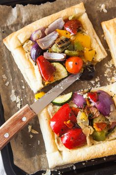 Mediterranean Vegetable & Hummus Tart via @wallfloweraimee