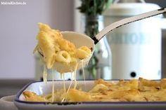 Rezept für einen leckeren Nudelauflauf mit Lauch und Käse nach Tim Mälzer. Der Auflauf bekommt eine Schmandmischung aus Gouda und Mozzarella.
