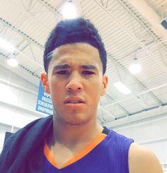 Where is that Booker smile? Uk Wildcats Basketball, Basketball Art, Basketball Players, Jersey Adidas, Devin Booker, D Book, Kentucky Wildcats, Nba Players, Dimples