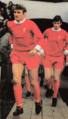 Circa 1968/69. Liverpool duo Roger Hunt and Geoff Strong in a season that saw Bill Shankly begin to reassess his title winning side.
