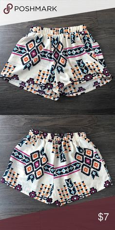 Tribal patterned shorts Perfect condition, comfy, loose fitting tyche Shorts