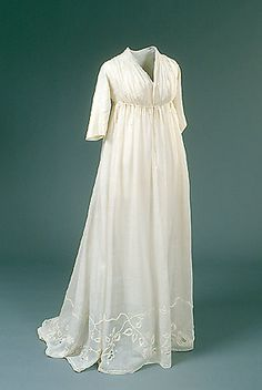 Wedding dress from 1797 (Danish)  Den moderigtige hvide chemisekjole af netteldug - stof af nældefiber - har sandsynligvis været båret af baronesse Eleonora Sophie Rantzau (f. 1779), da hun i 1797 blev gift med lensgreve Preben Bille-Brahe, Hvedholm @Nationalmuseet