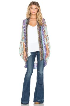 https://cdnb.lystit.com/photos/e05d-2015/12/26/camilla-sarayi-open-front-cardigan-product-0-319383394-normal.jpeg