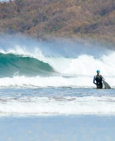 Check out the Tamarindo Costa Rica Surf Guide! If you're planning a surf trip to Tamarindo Costa Rica this is a must read with insider, local Tamarindo surf knowledge! Retro Surf, Vintage Surf, California Surf, Surf Shack, Surf Trip, Sunset Art, Tamarindo, Surf Style, Beach Photography