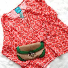 """NWT Escapada Top w/ Button Details Loose and flowing, with unique button details running along the tops of the sleeves. High end boutique brand, in perfect condition! Bust: 21"""", Length 24"""". Escapada Tops"""