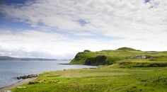 Luxurious, shoreside hideaway on the Isle of Skye with uninterrupted views to the outer isles. Five star accommodation for two which was listed by the Sunday Times as one of the Coolest Cottages available.