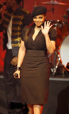 Janet Jackson Beret - Ms. Jackson adds some french flare to her pencil skirt and blouse combo.