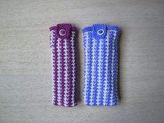 This glasses case is a quick knit which can easily be adapted to hold different sizes of glasses. It is worked in a slip stitch pattern which gives a padded fabric to protect the glasses and is very straightforward to knit.