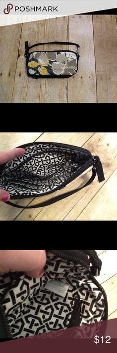 Vera Bradley Shimmer Sequin Wristlet Dogwood Vera Bradley Shimmer Sequin Wristlet Hand Purse Dogwood. Vera Bradley Bags Clutches & Wristlets