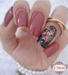 Image about girl in Nails ❤❤❤💅 by Heaven Becker ♡ Mani Pedi, Pedicure, Cute Nails, Pretty Nails, Hair And Nails, My Nails, Glitter Nails, Nail Inspo, Nail Arts