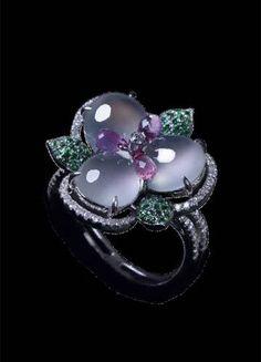 Lavender jadeite jade ring... gorgeous!!!